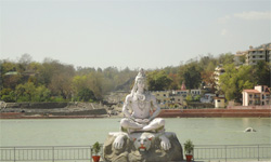 Triangle Tour with Rishikesh